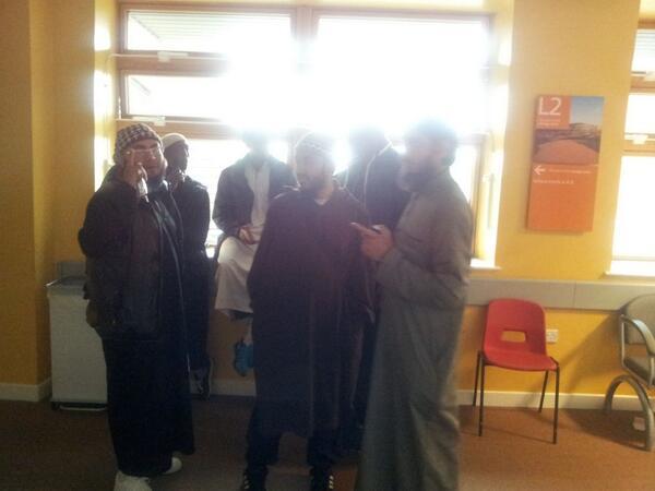 musulmans dans l'attente de visiter