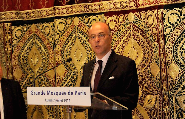 Bernard Cazeneuve mosquée de paris