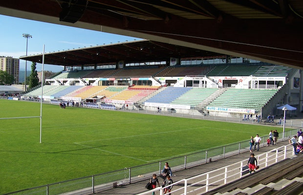 La pri re de l 39 aid al fitr 2014 dans un stade de rugby grenoble le jou - Capacite d accueil stade de france ...