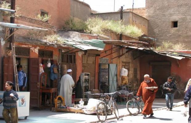 Un juif marocain a surpris son voisinage ce mardi à Marrakech en criant dans la rue