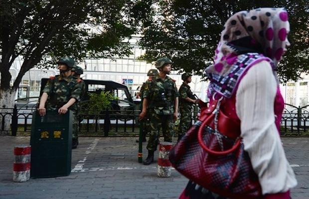 Chine : les barbus et les femmes voilées sont interdits dans les bus