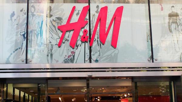 Ce weekend seulement, profitez, grâce à l'application de H&M en Belgique et de ce code promo de 25% de réduction sur tout achat vêtement, chaussures, accessoire du /5(35).