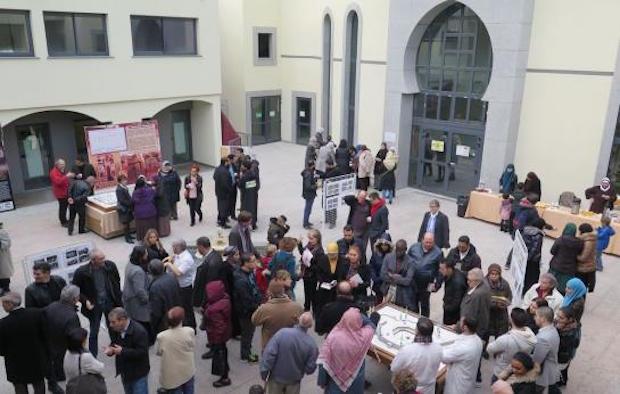 Opération inédite, la mosquée de Gennevilliers a organisé, dimanche 20 décembre, une opération portes ouvertes