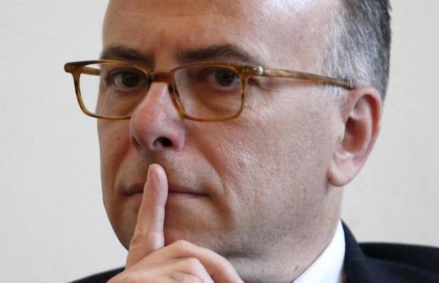 Bernard Cazeneuve assignation à résidence