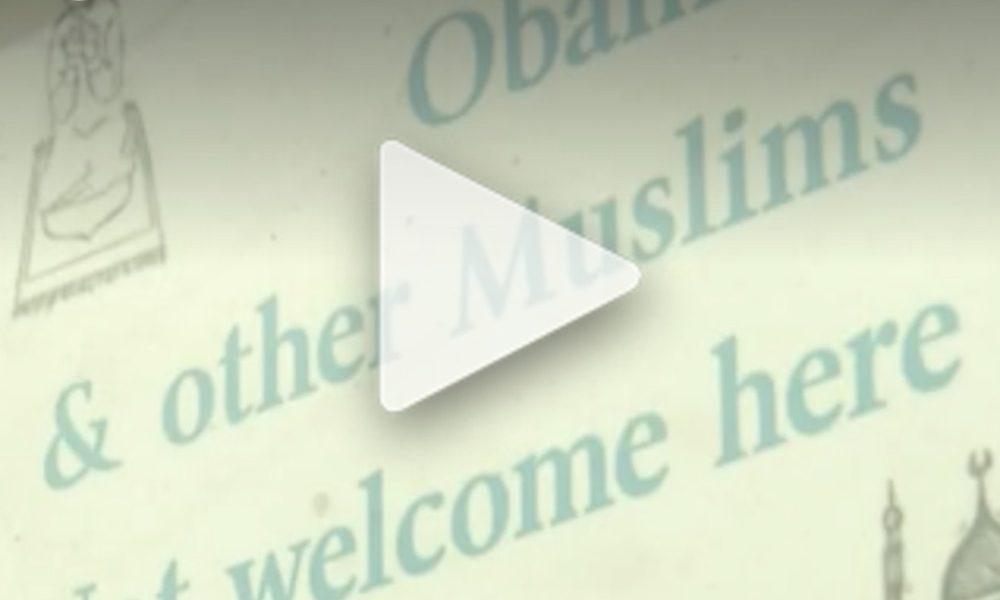 une pancarte obama et les autres musulmans ne sont pas les bienvenus ici fait scandale le. Black Bedroom Furniture Sets. Home Design Ideas