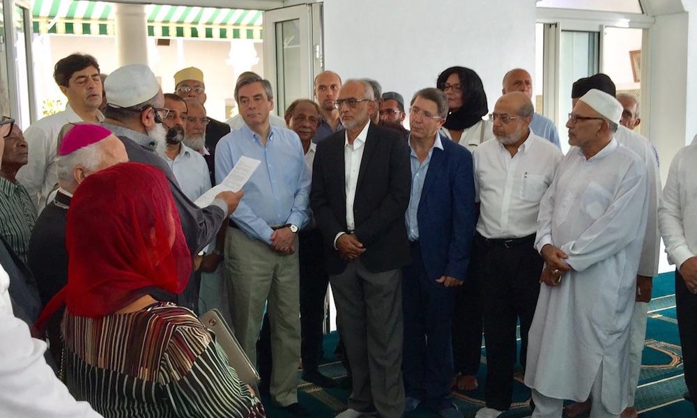 Lors de sa visite à La Réunion, François Fillon MUSULMANS