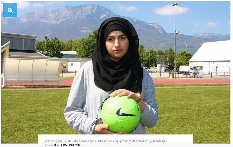 entraineur foot voile musulmane